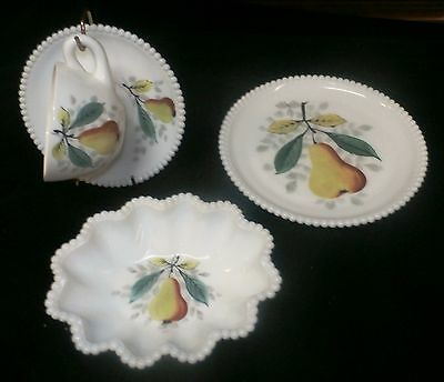 """Westmoreland Beaded Edge 4 pc Pear Crimped 6"""" Bowl, Cup & Saucer, Salad Plate"""