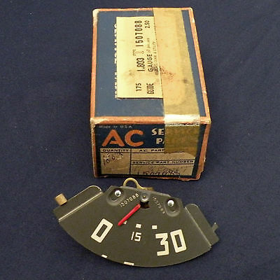 NOS 47-48 Chevrolet Commercial Utility Truck AC Oil Pressure Gauge 1507088