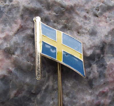 Swedish National Day Flag of Sweden Yellow Scandinavian Cross Pin Badge