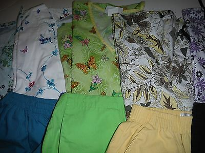 Womans Lot Of Scrub Sets, 5 Tops, 5 Pants, Very Nice Conition  Size  Sm(Box 149)