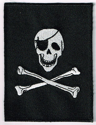 JOLLY ROGER PIRATE SKULL & CROSSED SWORDS FLAG EMBROIDERED IRON ON PATCH
