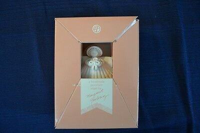 Vintage MARGARET FURLONG Shell Angel With Bouquet Mint In Box