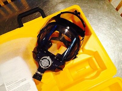 Wilson Gas Mask W6600GM in Original Packaging, New