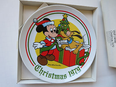 WALT DISNEY COLLECTOR PLATE CHRISTMAS 1979 MINT W/BOX