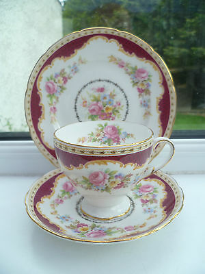 Lovely Vintage Foley English China Trio Tea Cup Saucer Plate Red Windsor 2702