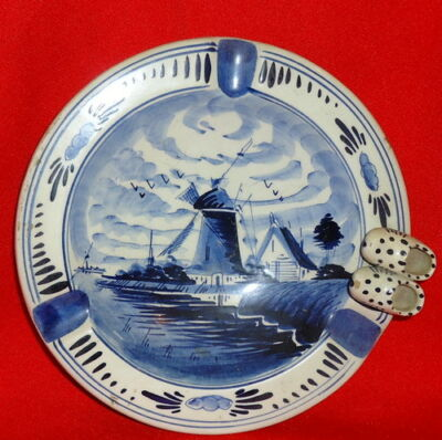 Vintage Delft Blauw Ashtray Wind Mill Dutch Shoes Holland