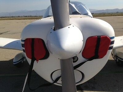 Piper PA28  Cherokee  140 older style cowl plugs