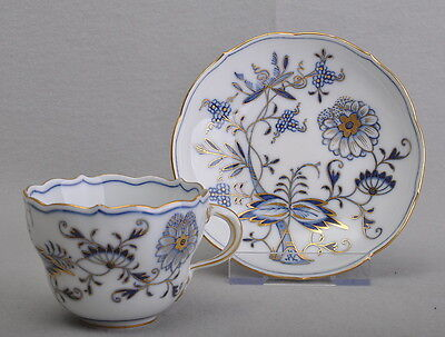 Meissen porcelain onion pattern, with gold, coffee cup + saucer, First Choice