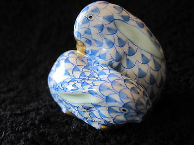 HEREND PORCELAIN BLUE FISHNET FIGURINE SMALL PAIR OF DOUBLE BUNNIES/RABBITS
