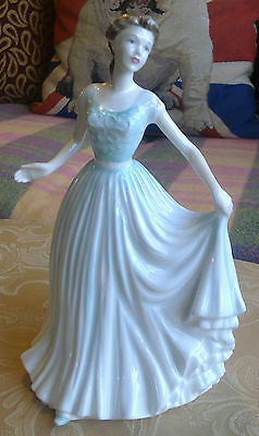 ROYAL DOULTON SPRING MORNING HN 4451 - VERY ELEGANT & MADE IN ENGLAND