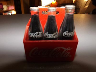 1995 Coca Cola Cokes in Six Pack Magnet - One Coke Missing