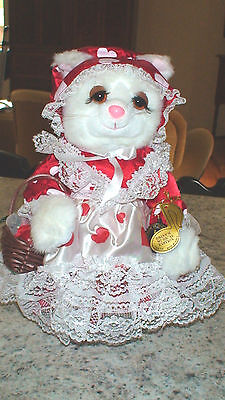 VTG 1988 Brinn's Musical Loving Kitten  Valentine Heart w/ COA, Box & Tags