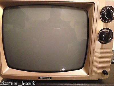 Samsung 1986 TV Model No: BT-307MR CLASSIC IN WORKING CONDITION Antique Rare Set