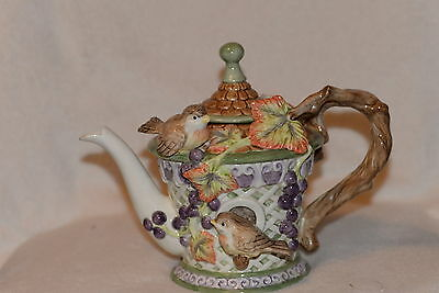 FITZ & FLOYD TEAPOT CHATEAU GARDEN GRAPE ARBOR WITH VINES AND BIRDS 40722