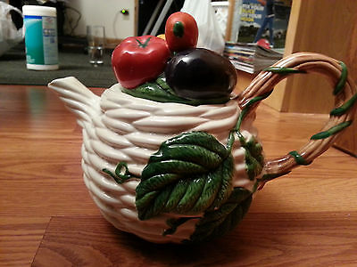 RETIRED FITZ AND FLOYD WOVEN BASKET 40oz TEAPOT WITH VEGETABLES AND LEAVES 1992