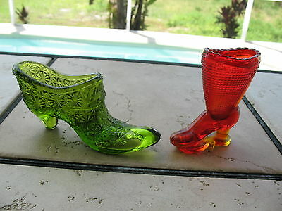 VINTAGE LE SMITH ART GLASS BUTTON DAISY GREEN SHOE AND AMBERINA BOOT