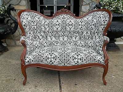 Spectacular Victorian Settee With New Fabric 20th Century.
