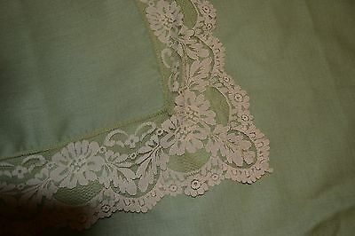 """VTG Chartreuse Moss Pea Green Tablecloth  48 x 68"""" rectangle w lovely Lace Edge"""