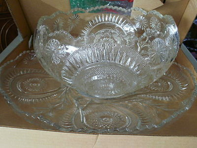 U S Glass SLEWED HORSESHOE  PUNCH BOWL SET  19 pieces Original Box  Wonderful