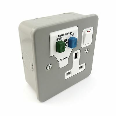 Single Gang Switched RCD Socket Tripfast 30mA Latching Passive Metal