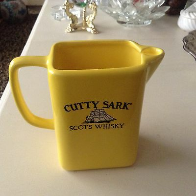 VINTAGE MARKED POTTERY CUTTY SARK BRIGHT YELLOW SCOTS WHISKY PITCHER AWESOME BAR