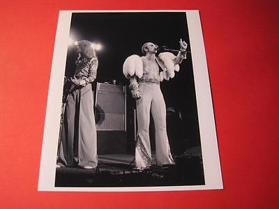 ELTON JOHN  10x8 inch lab-printed glossy photo P/1682