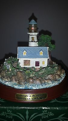 "Thomas Kinkade's Seaside Memories Lighted LightHouse ""A Light in the Storm"""