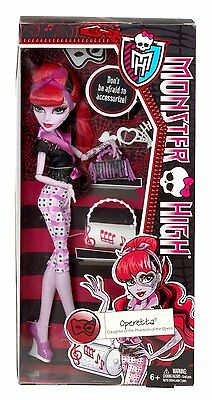 Monster High SCARITAGE OPERETTA DOLL and FASHION ACCESSORIES NEW