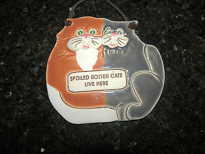 """SMOKY MOUNTAIN POTTERY CERAMIC CAT WALL HANGING, """"Spoiled Rotten Cat Lives Here"""""""