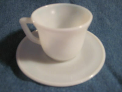 Lovely Vintage AKRO AGATE White Swirl Demitasse Cup & Saucer Mint Condition