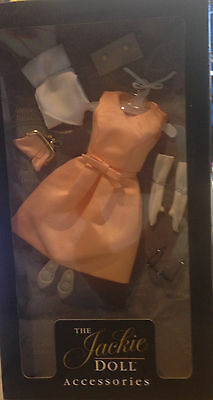 Franklin Mint THE JACKIE DOLL Clothing & Accessories