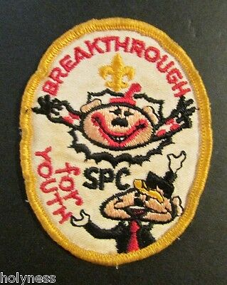 VINTAGE BSA / BOY SCOUT PATCH / BREAKTHROUGH FOR YOUTH / SPC / 1960's