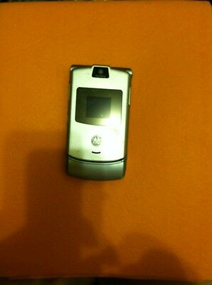 Motorola RAZR V3 - Silver AT&T / Cingular Cell Phone, Decent Condition