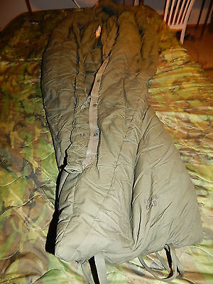 TYPE II MILITARY ISSUE EXTREME COLD WEATHER SLEEPING BAG MUMMY US ARMY USMC GI