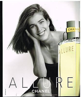 Publicité Advertising 2001 Parfum Allure par Chanel