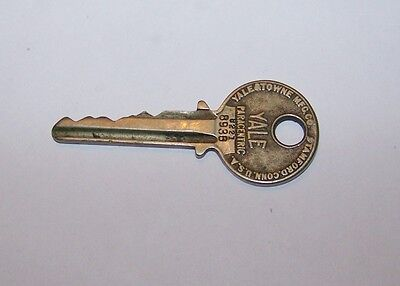 Antique Yale Towne Pad Door Lock Key 8221 8938