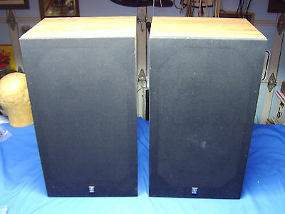 Exceptional Pair of YAMAHA NS-6 Stereo Speakers Made In USA superior condition