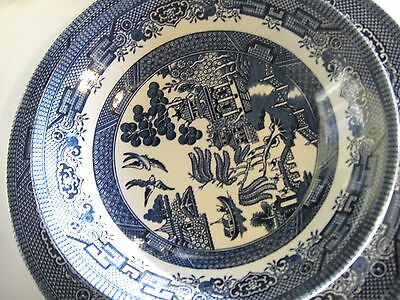 Blue Willow Dinnerware serving set 11 pieces, made in England