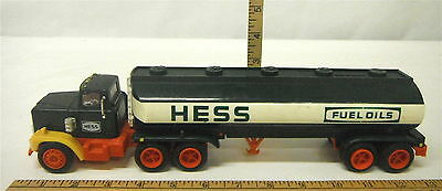1984 Hess Delivery Gas Oil Truck Bank Vintage