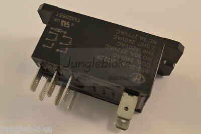 692/240A5-2C22F Relay 30A 240V Dpdt 2.5Hp Heavy Duty 8-Pins Current Control