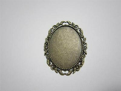Brooch setting oval frame for 30 x 40 mm cabochon pin back leaf style bronze