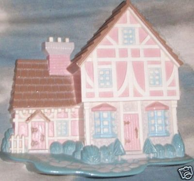 HOMCO/Burwood Products Country Cottage Wall Hanging