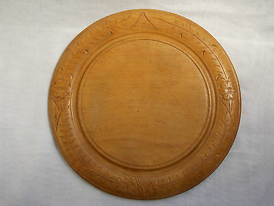 vintage Breadboard hand carved border Treen wood