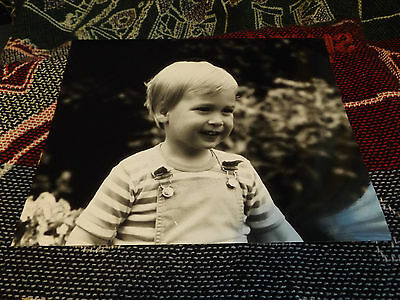 10 x 8 ROYAL PHOTO - A YOUNG PRINCE WILLIAM SMILING