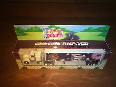 K8-10 Dunkin Donuts 1995 Toy Truck Tanker And Trailer RARE!