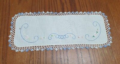 Vintage Embroidered Linen Shabby Floral Chic Daisies Table Runner Dresser Scarf