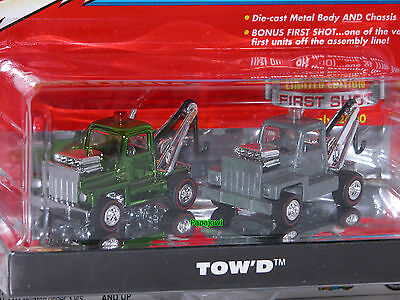 Johnny Lightning The Lost Toppers Tow'd First Shot 1 of 2000 Tow Truck Hot Rod