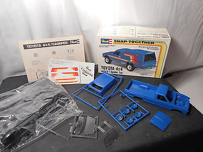 Model Kit Toyota 4x4 with G-T Spoiler Top