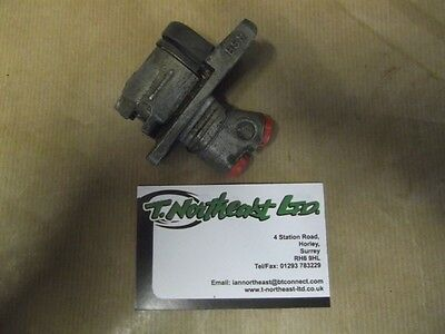 Reliant Rebel - Regal 3/25 N.O.S Girling Rear wheel cylinders