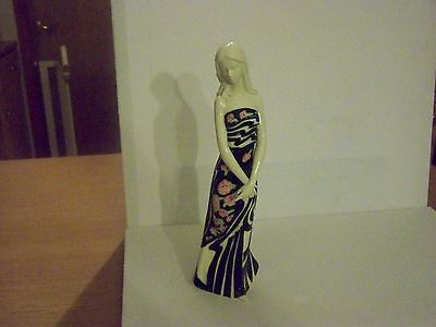 OLD TUPTON CROSSED HANDS FIGURINE APPROX 12 INCHES IN BOX